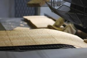 Fresh baked matzah from Streit's factory; Photo by ©Liz Rueven, www.kosherlikeme.com.