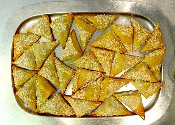 Phyllo_SpinachTriangles_1A